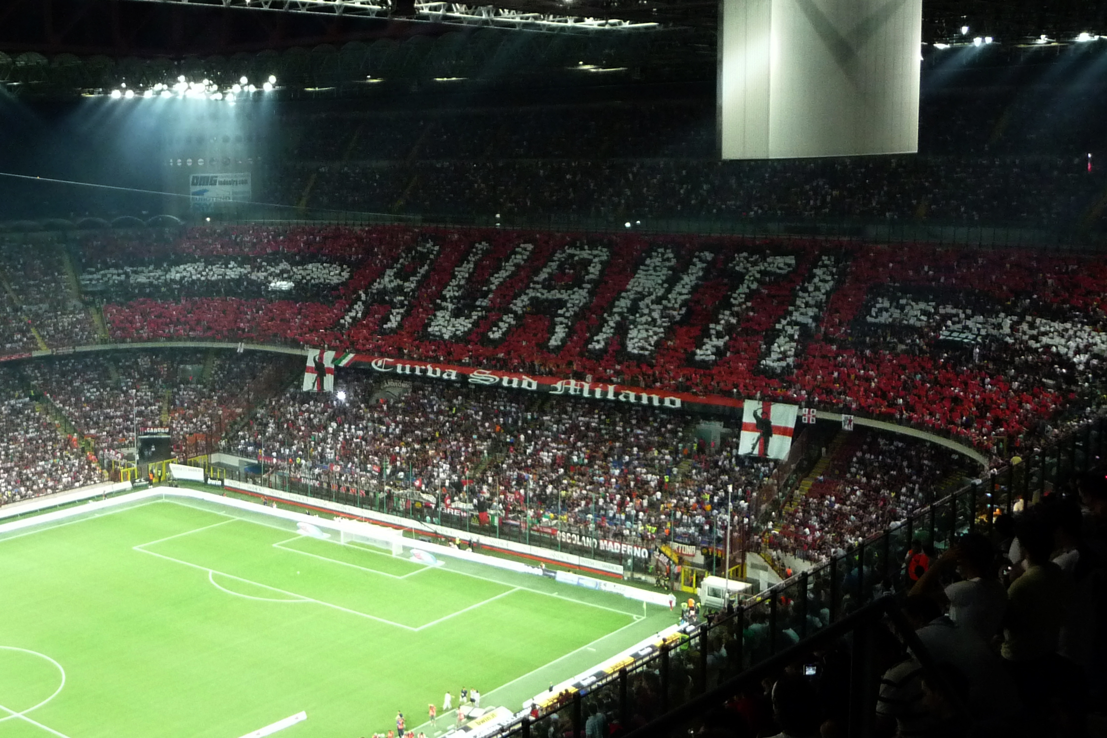 2009-08_Derby-_AC_Milan_vs_Inter_at_San_Siro